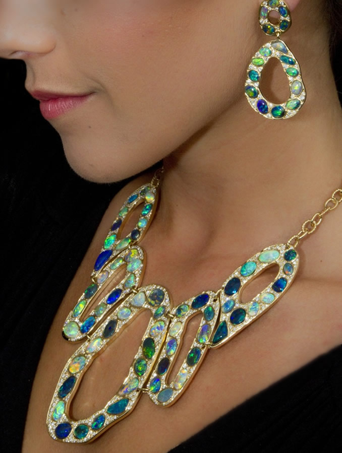 2014 AGTA Spectrum Awards Editor's Choice Necklace